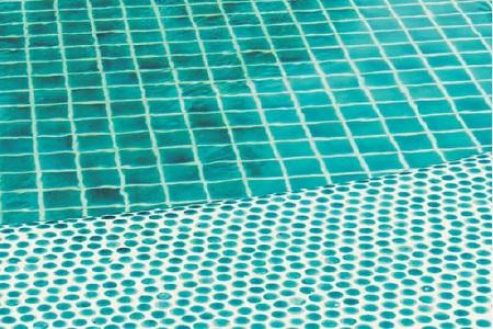 Colas para piscinas